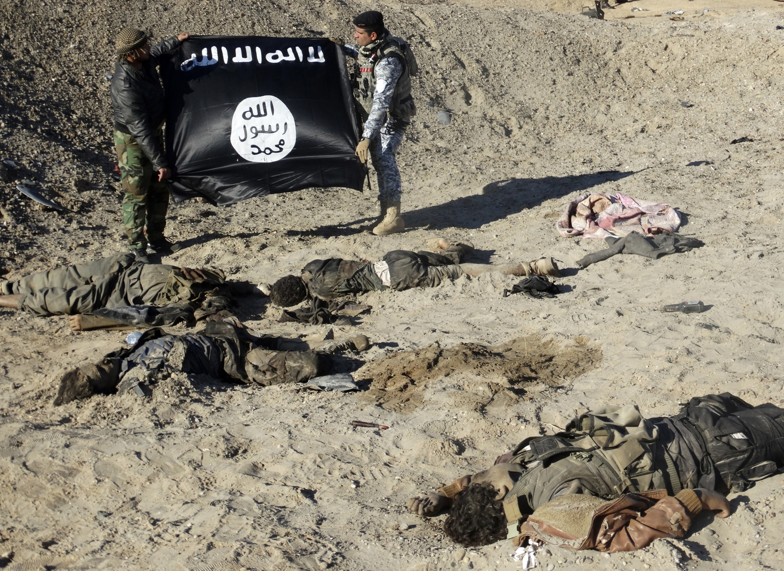 New figures say 132 Islamic State have been killed in fighting since the weekend
