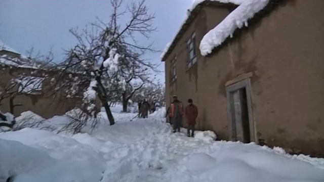Worst avalanches in 30 years kill 92 in Afghanistan