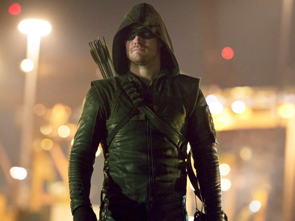 Arrow season 4 Oliveru0027s new Green Arrow costume imagined as Stephen Amell confirms that u0027Arrow is doneu0027 & Arrow season 4: Oliveru0027s new Green Arrow costume imagined as Stephen ...