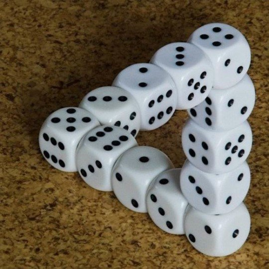 Dice optical Illusion