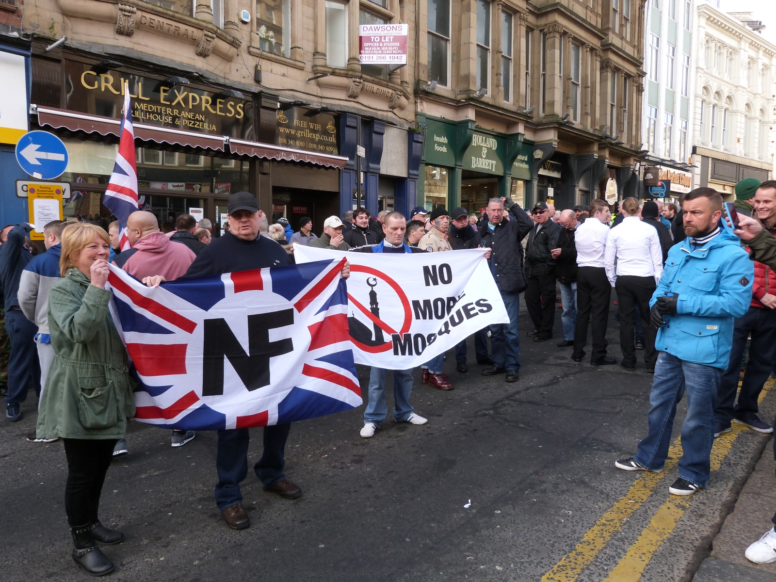 Pegida UK: Far-right groups take to the streets of Newcastle for anti-Islam march