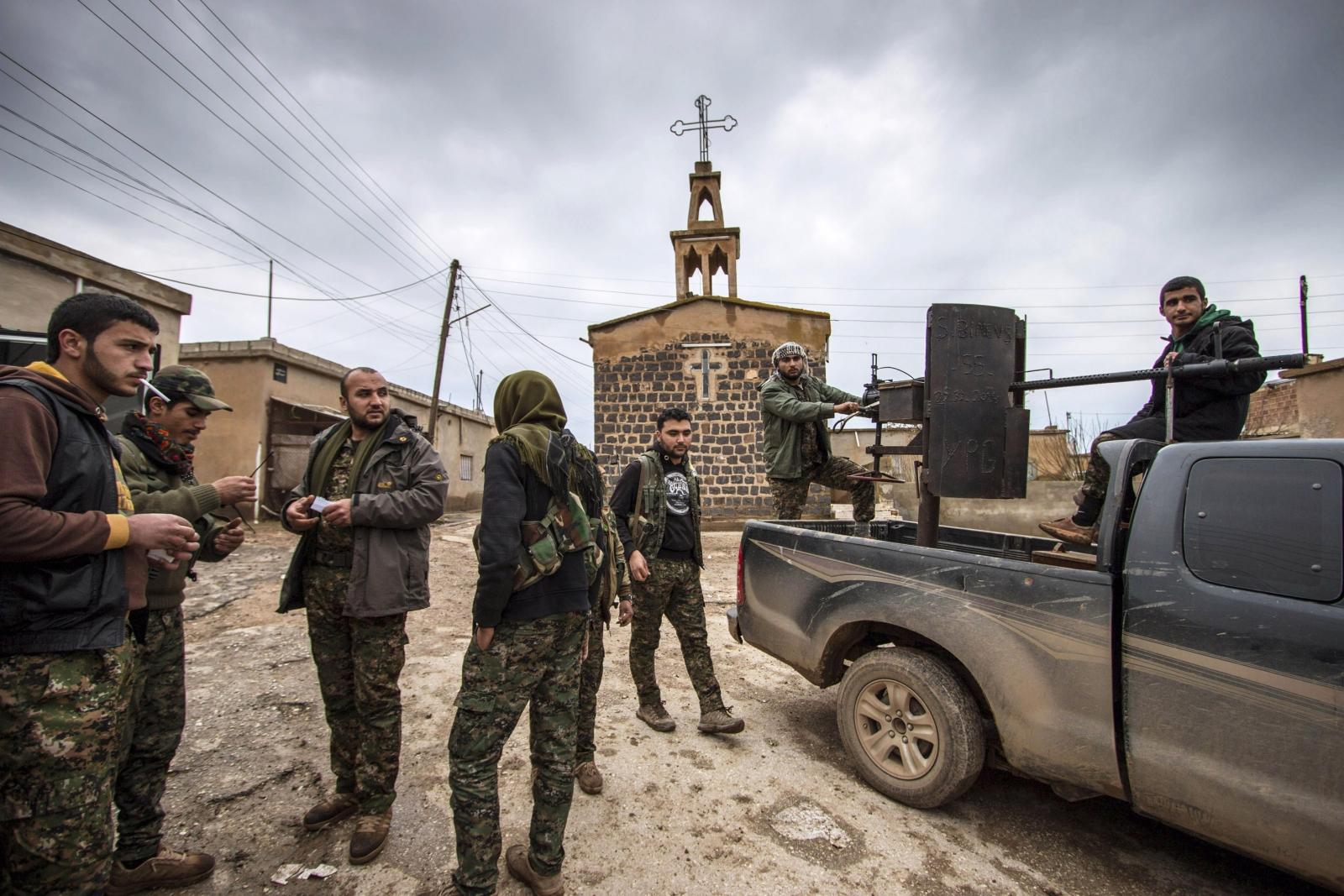 YPG Kurdish fighters in Tel Tamer