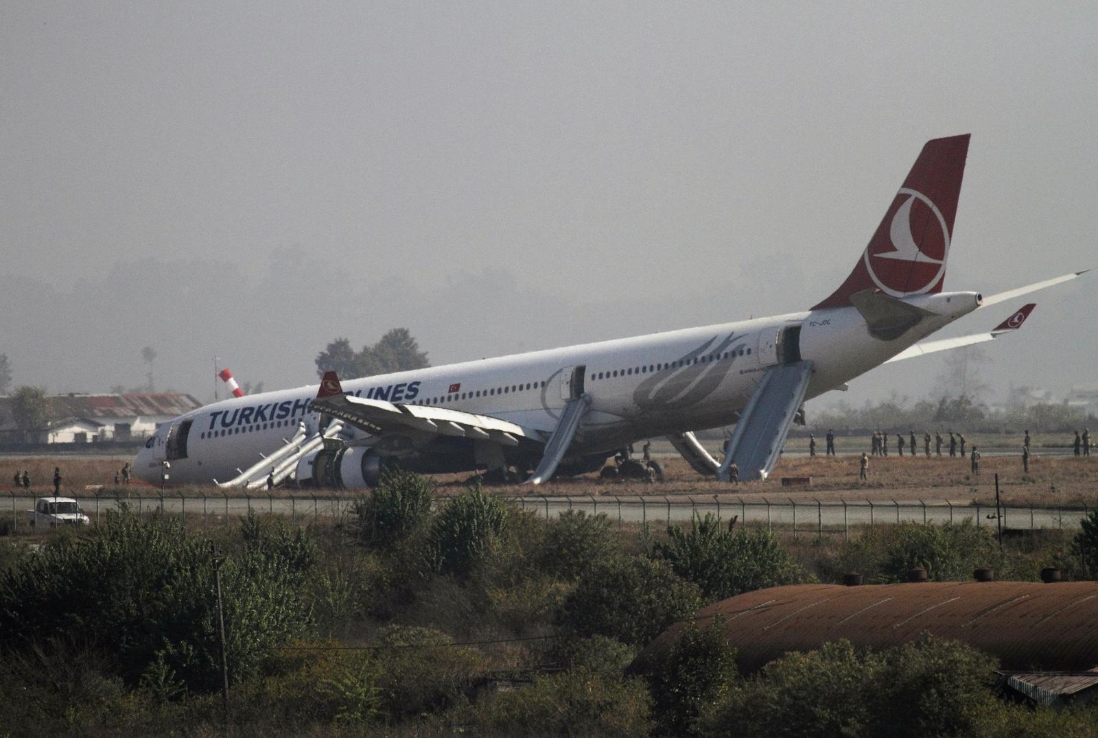 Turkish Airlines crash-lands