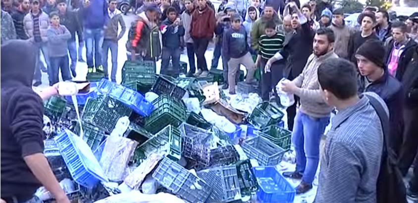 Palestinian activists boycott Israeli products