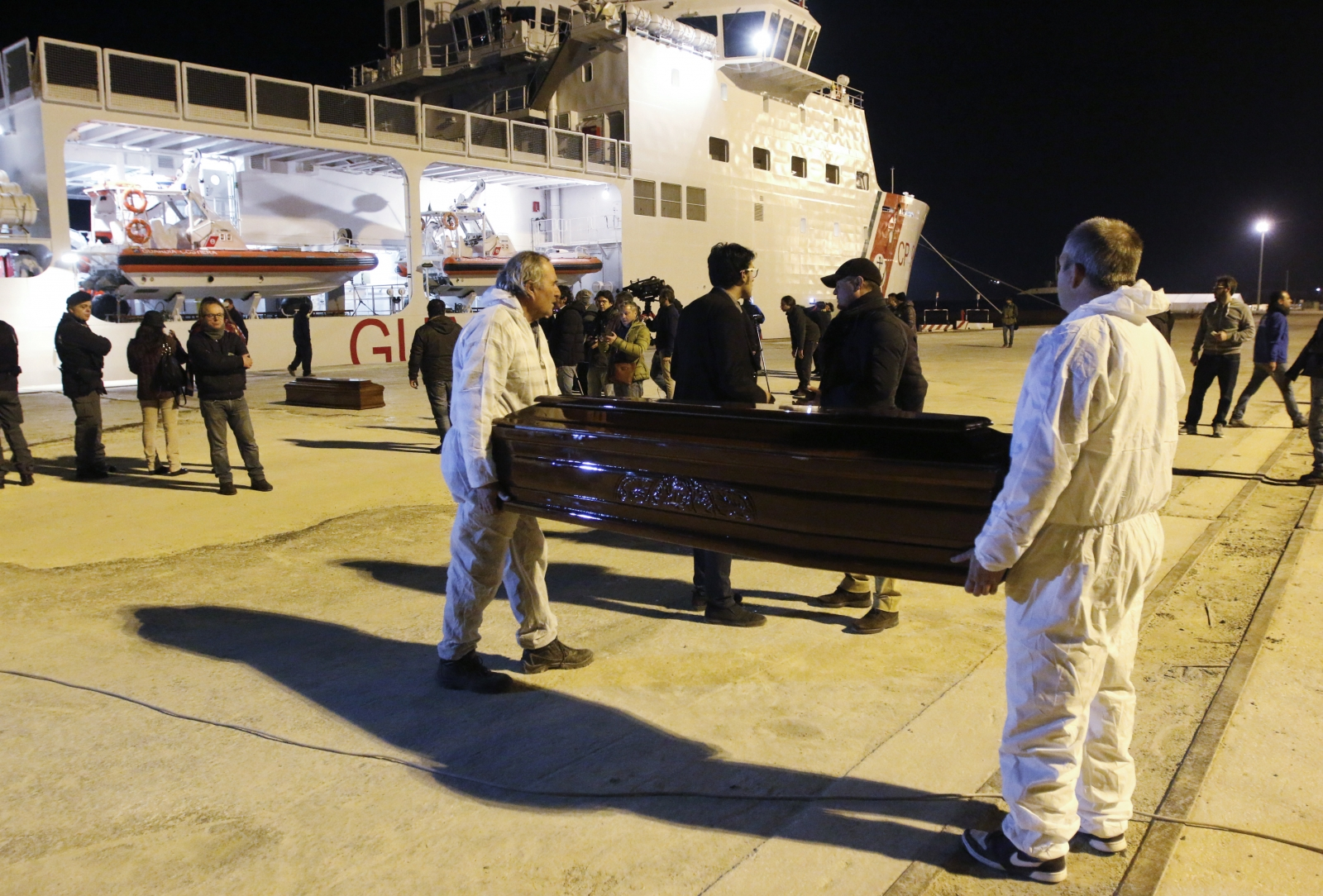 Mediterranean migrants drown