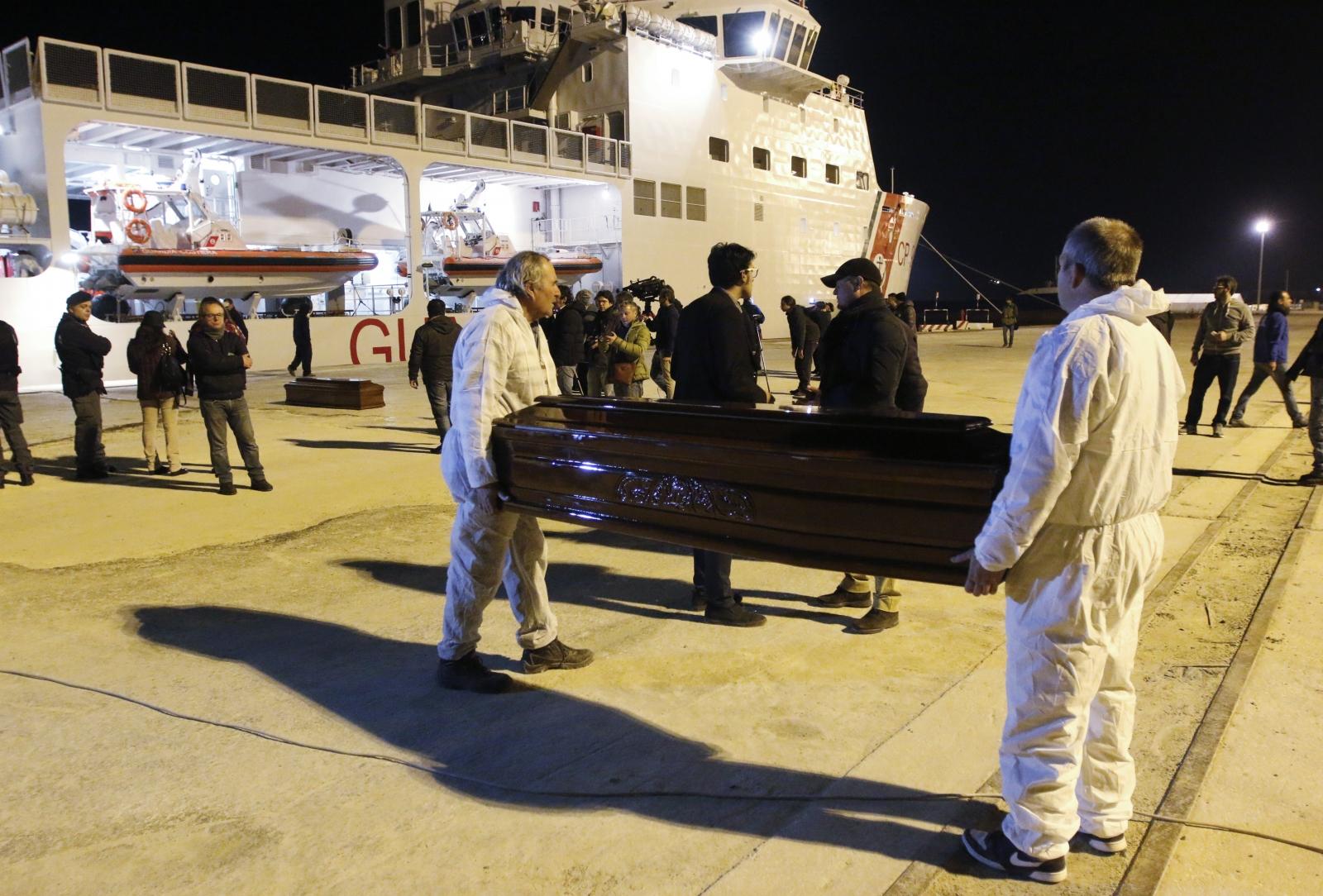 Mediterranean migrants drown