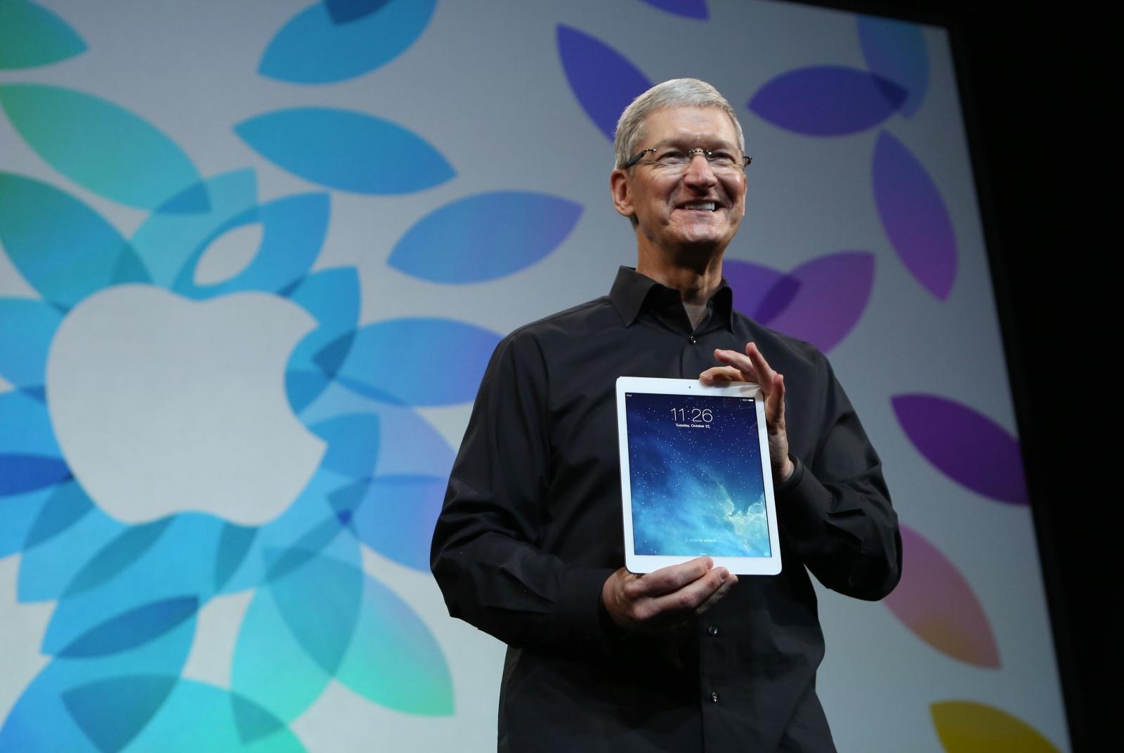 Apple iPad Tim Cook