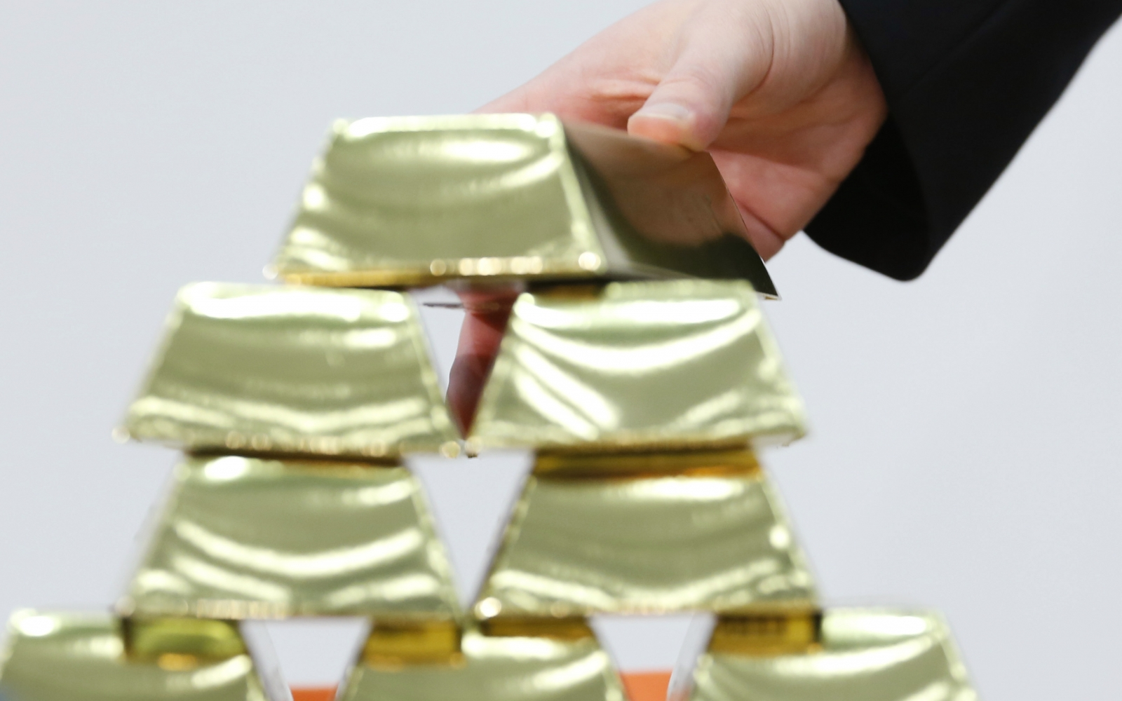 North Korean diplomat caught smuggling gold