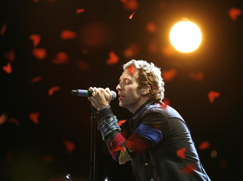 Martin of Coldplay performs at 2008 MTV Movie Awards in Los Angeles.