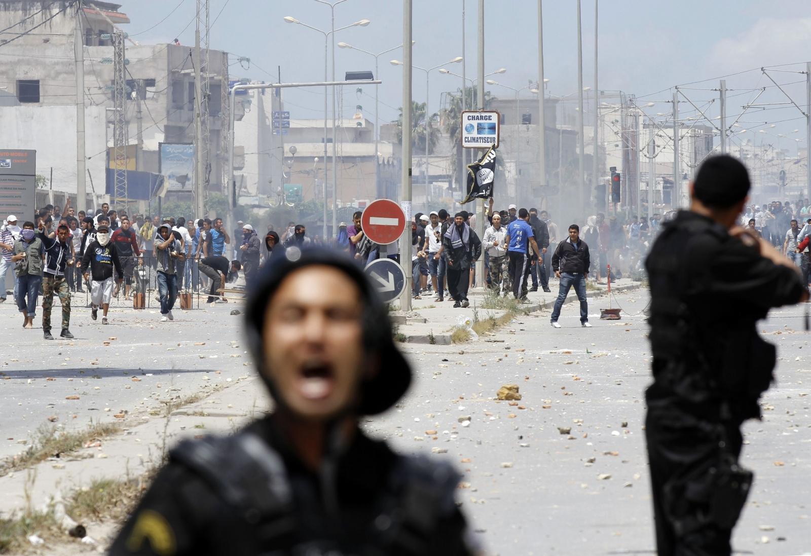 Tunisia Ansar al-Sharia fight