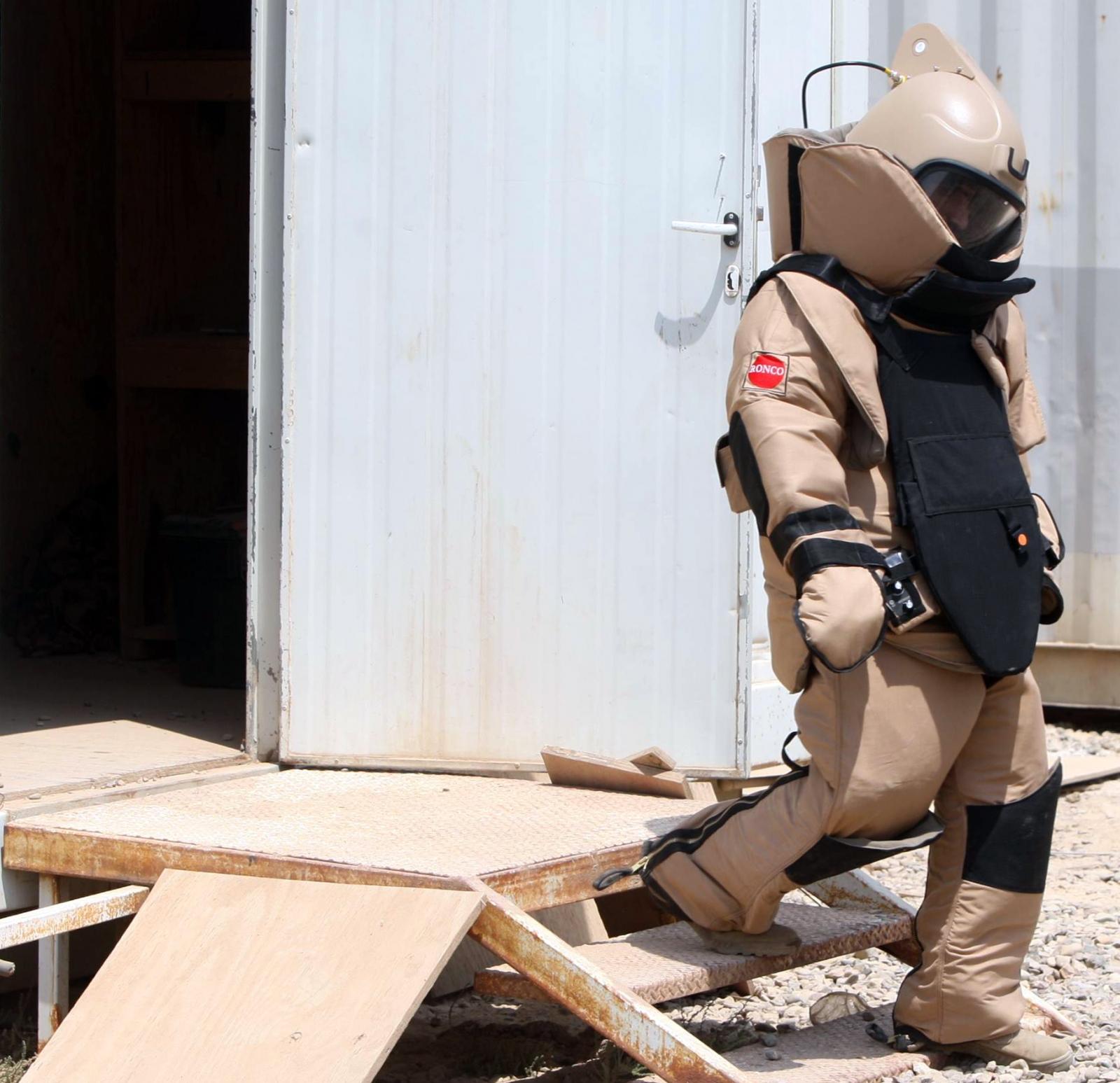Iraq bomb disposal expert