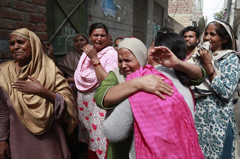 Families of Lahore suicide bombing victims