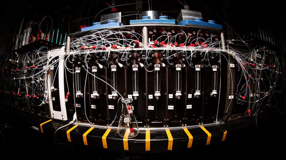 Revolution Medicine's chemistry 3D printer