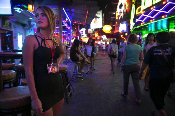 sex in public bar video