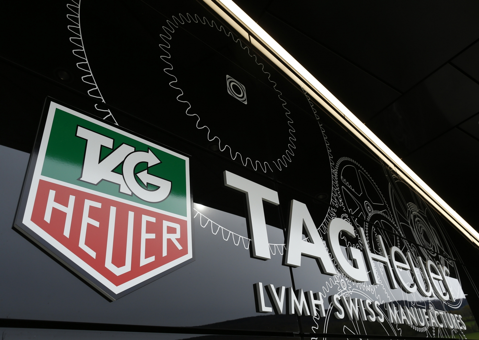 Tag Heuer 'Carrera Connected' Smartwatch To Cost £1,000