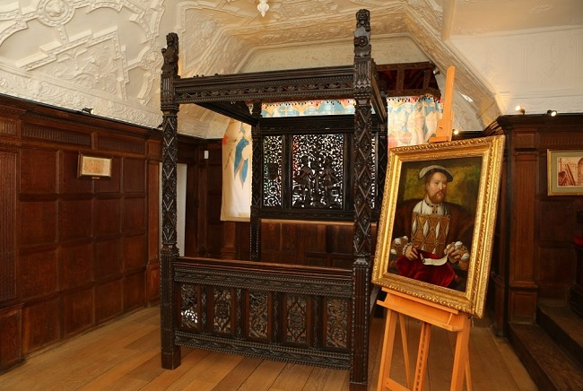 Henry Viii Bed Royal Treasure Dumped In Chester Car Park