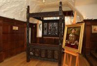 royal bed