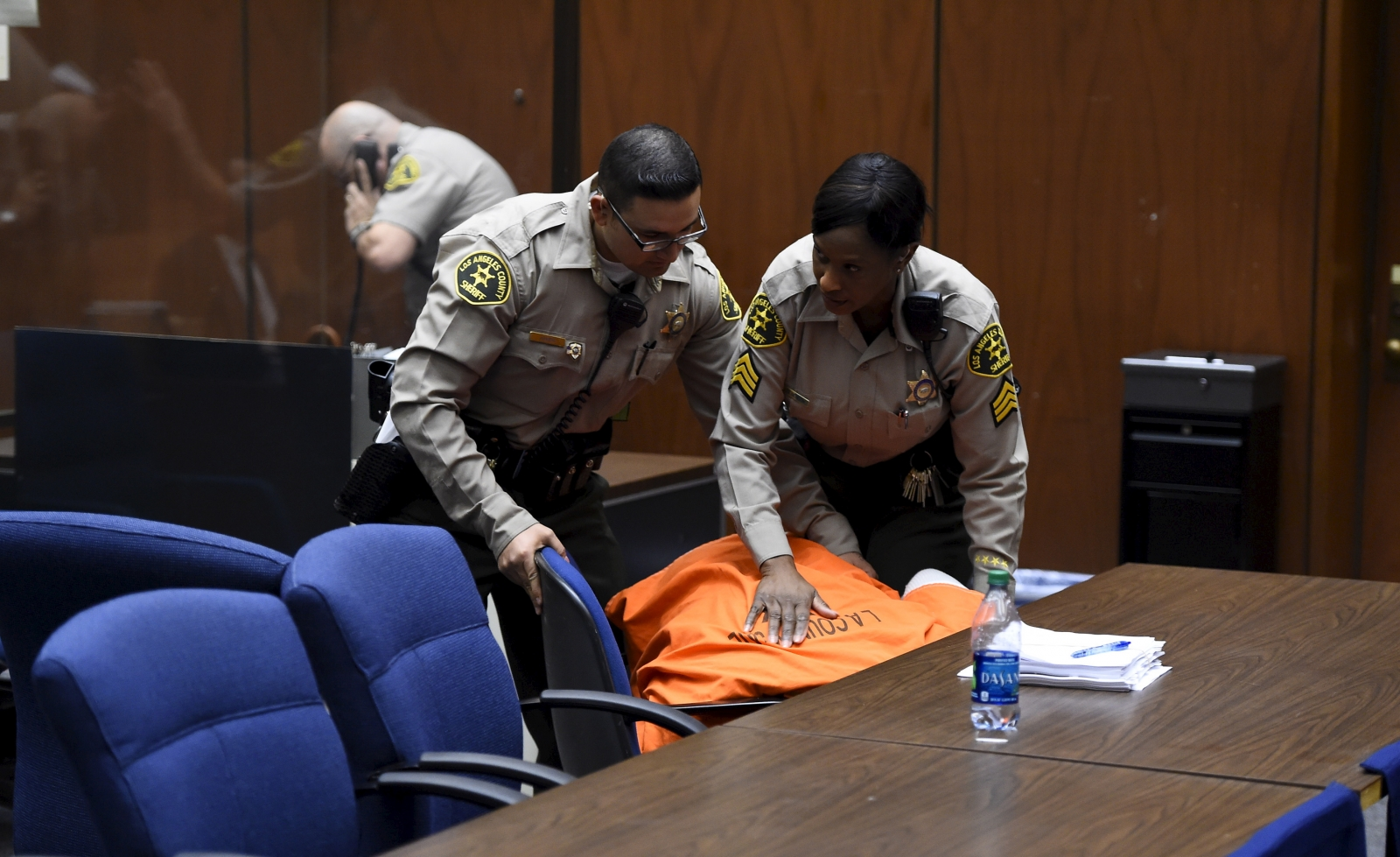 Suge Knight courtroom collapse