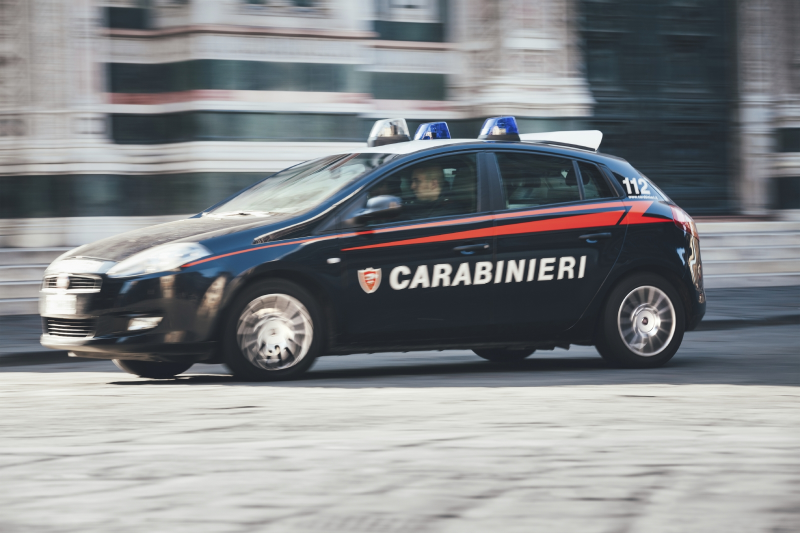Italy:  Swedish model freed by Carabinieri