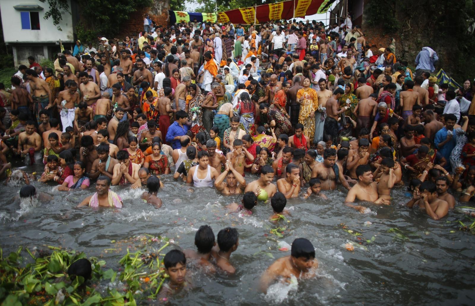 Bangladesh temple stampede