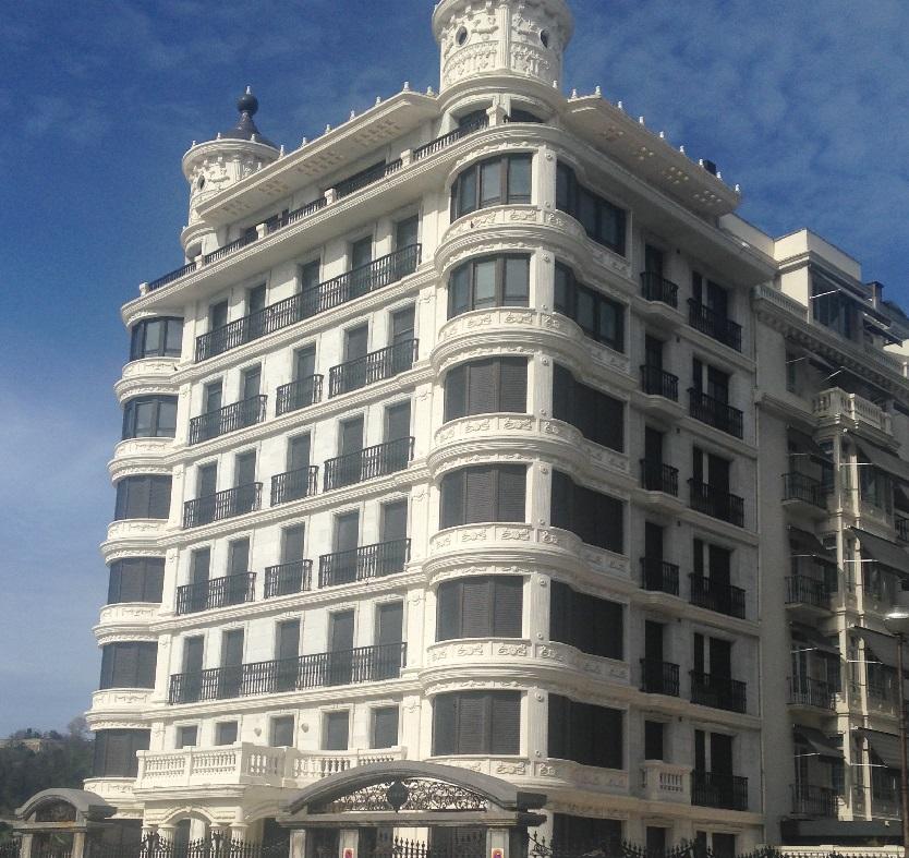 Moyes hotel
