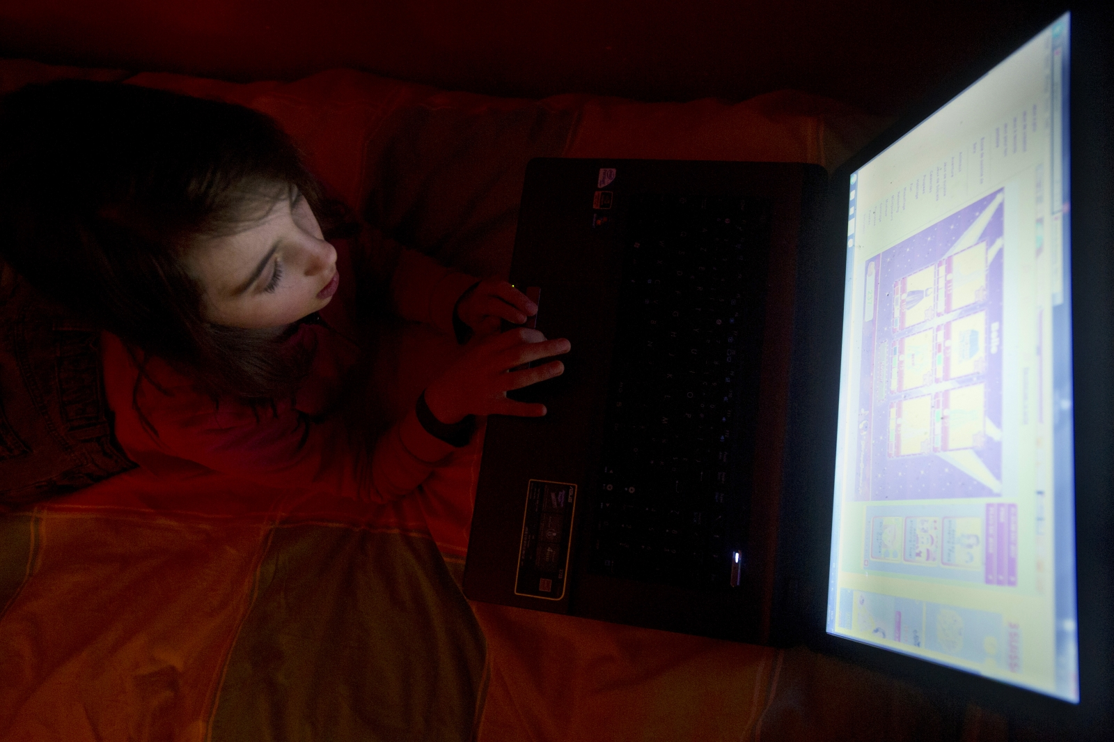 Many children fear web porn addiction
