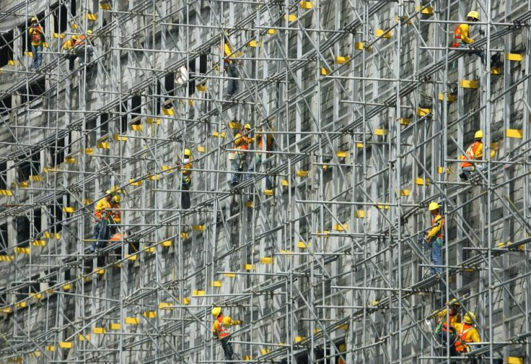Construction workers in Manila