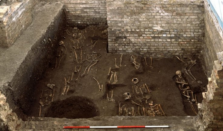 400 skeletons were found at