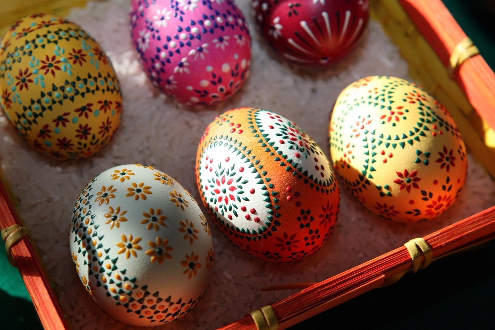 Easter wooden eggs