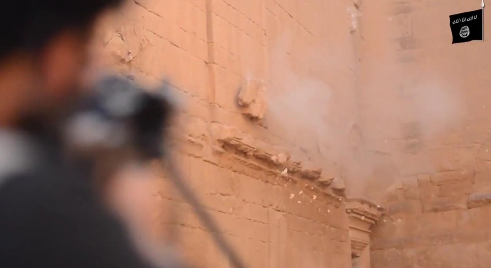 ISIS destroys Hatra Unesco Iraq artefacts