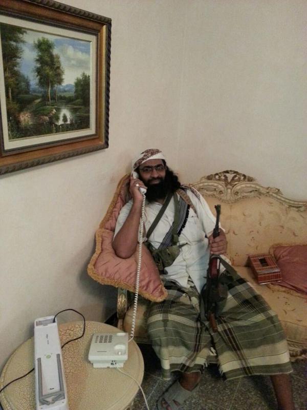 Yemen Al-Qaeda's Khalid Batarfi tours Presidential Palace