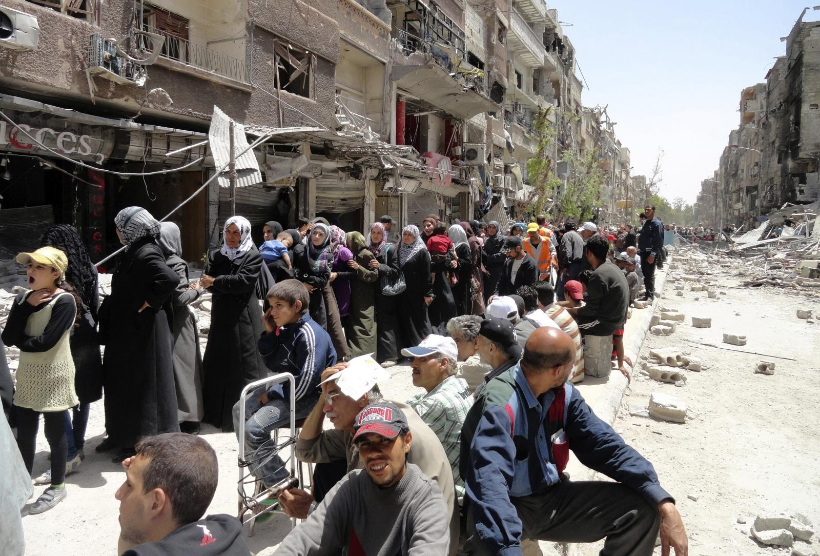 Yarmouk Palestinian refugee camp clases