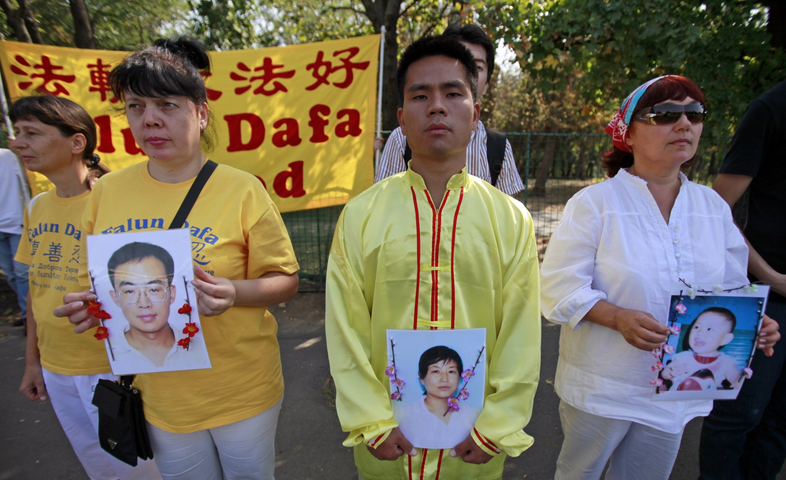 a brief history of the chines practice of falun gong Falun dafa has grown to become the most popular form of qigong ever in chinese history falun gong did not identify the practice of falun dafa.
