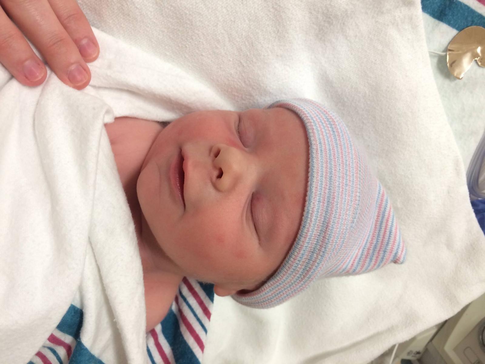 Jill Duggar, Derick Dillard welcomes baby Dilly
