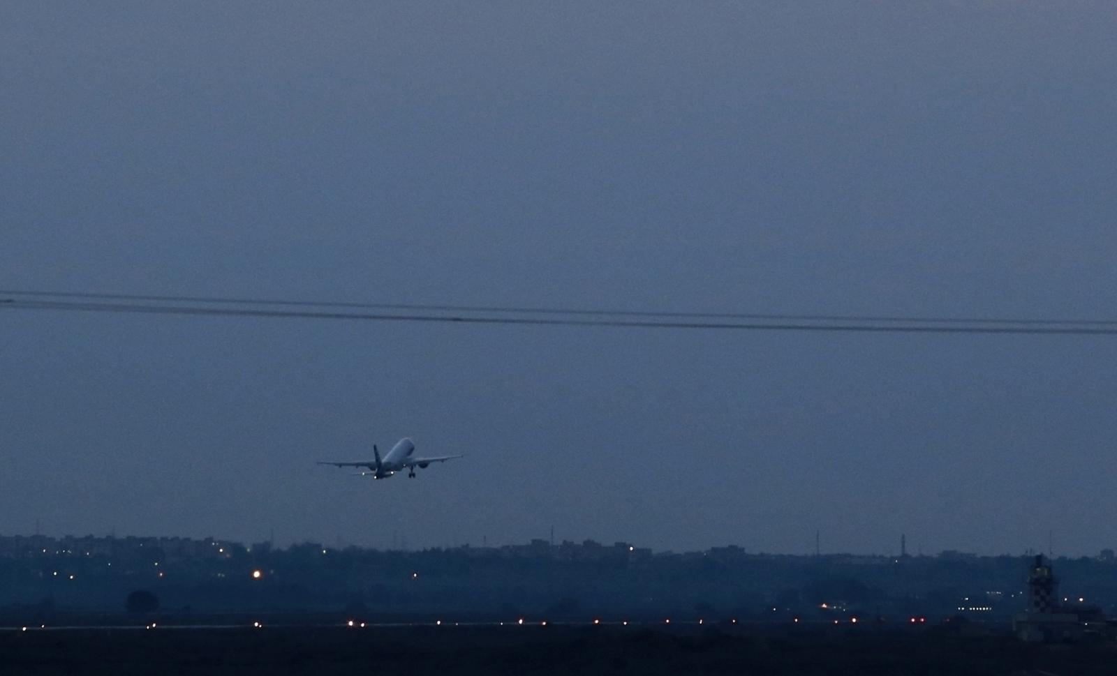 Russian plane emergency landing