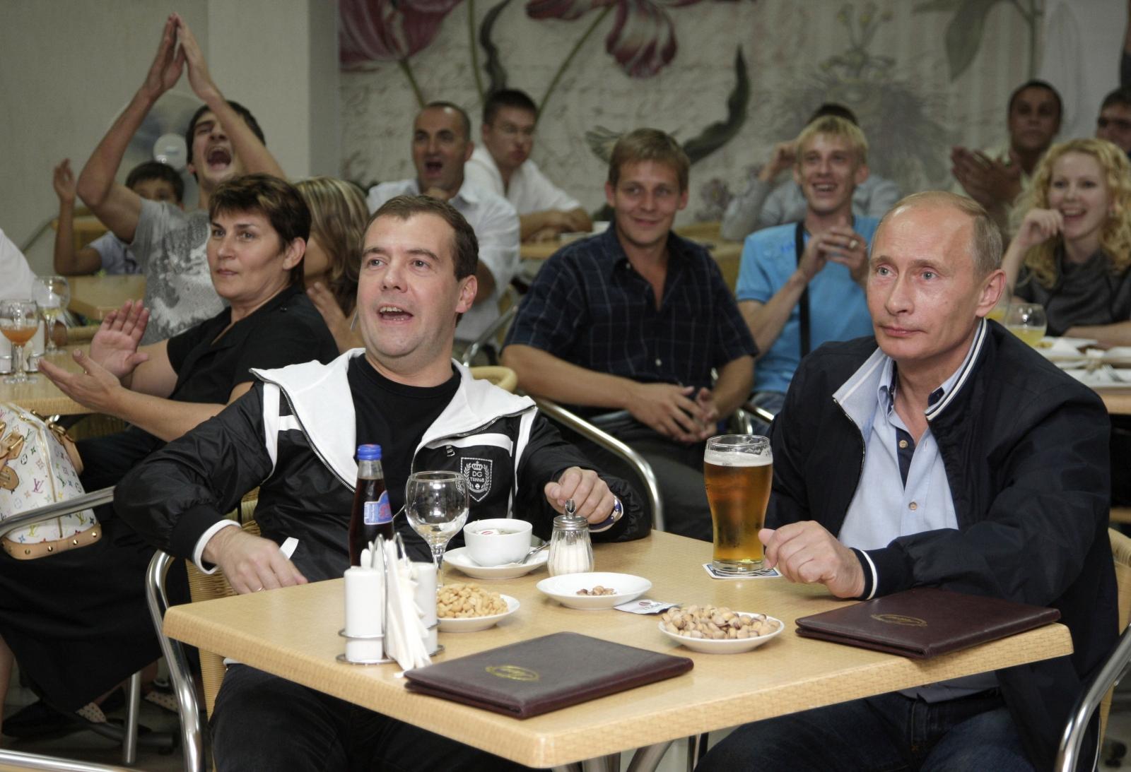 Medvedev Putin