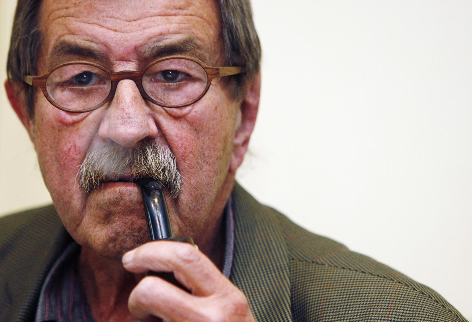 Nobel prize-winning German writer Gunter