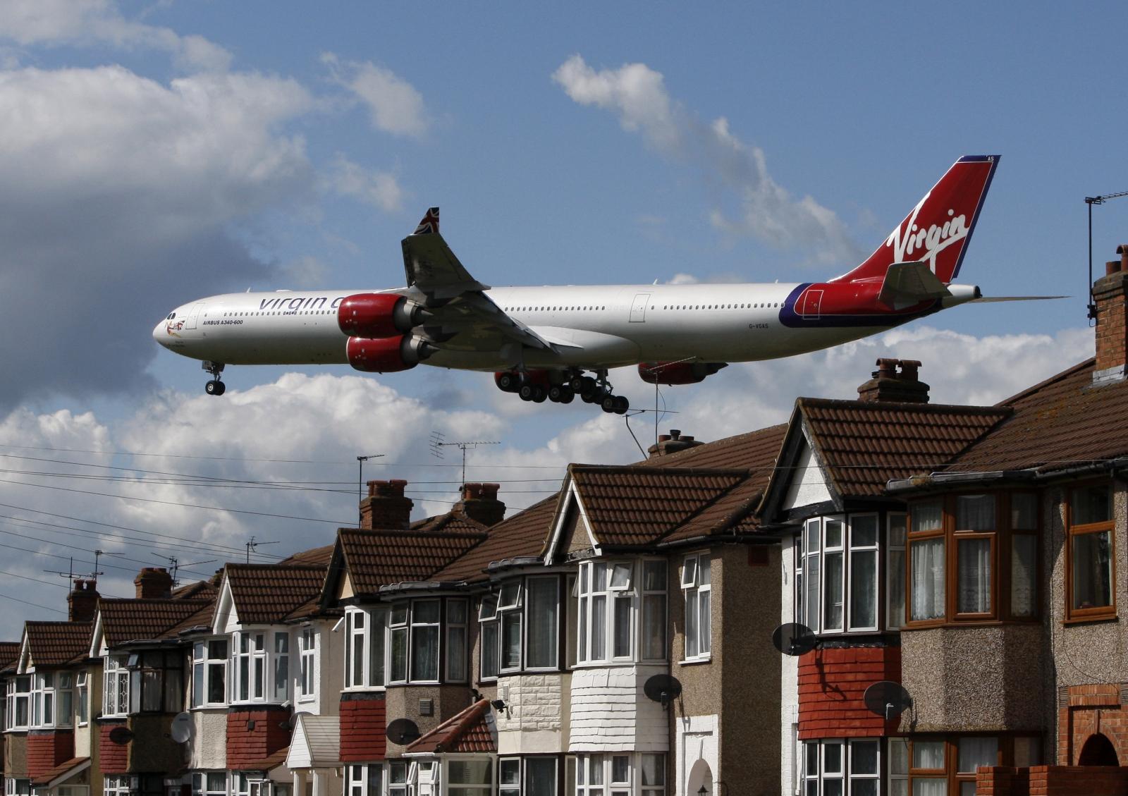 Plane landing Heathrow airport