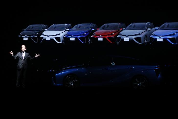 toyota electric vehicle hydrogen tesla