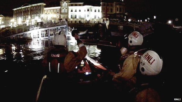 RNLI called to sinking flaoting restaurant