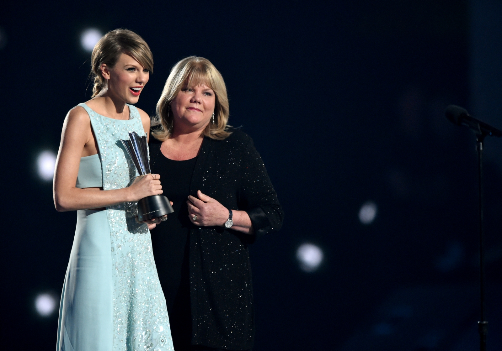 Taylor Swift and Andrea