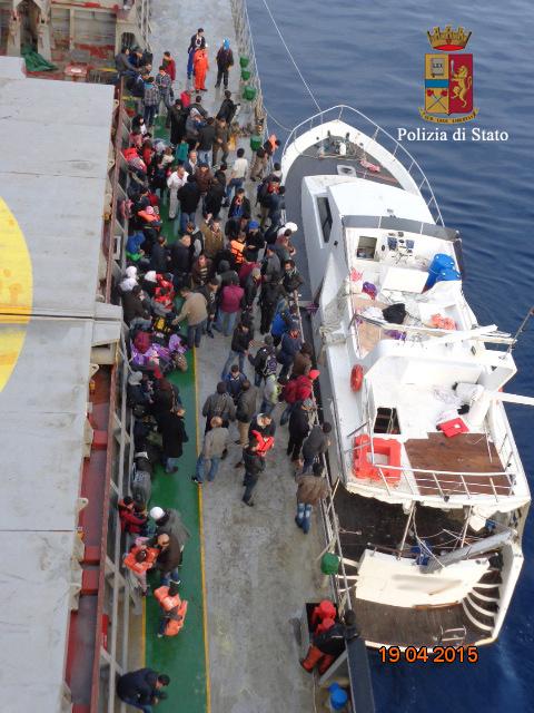 Migrants Luxury Yacht Sicily