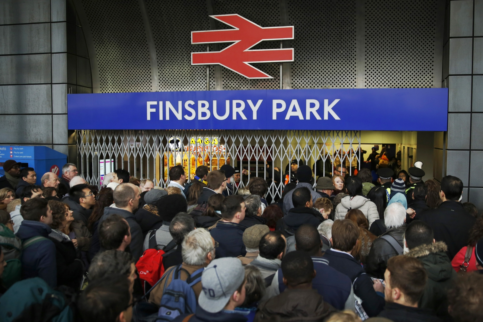 commuters London trains