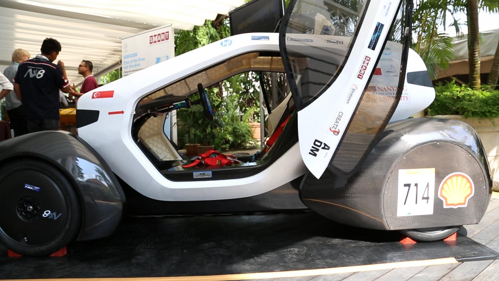 Singapore Tech Alley 3D solar car