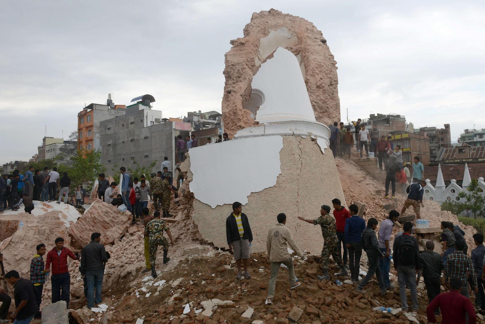 Nepal earthquake avalanche