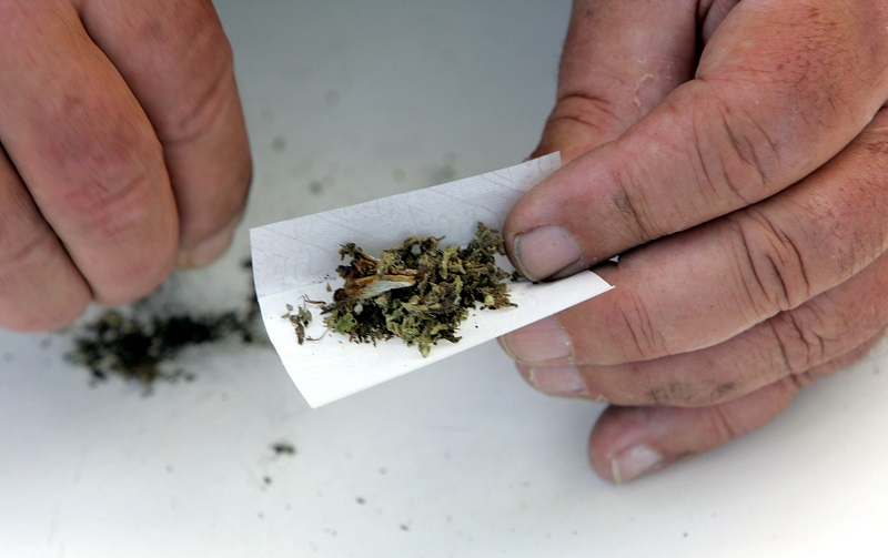Medical marijuana joint roll-up