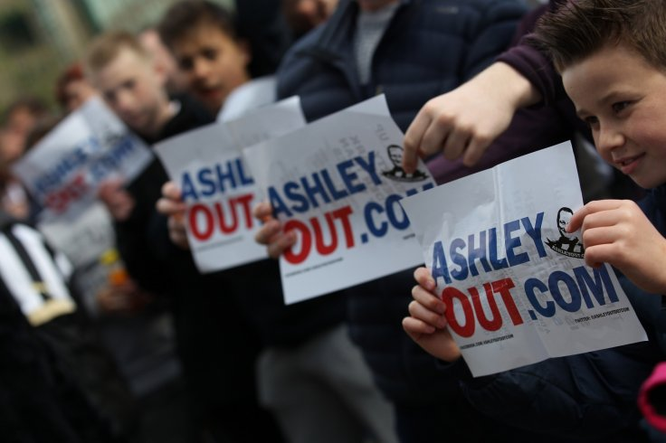 Mike Ashley protest