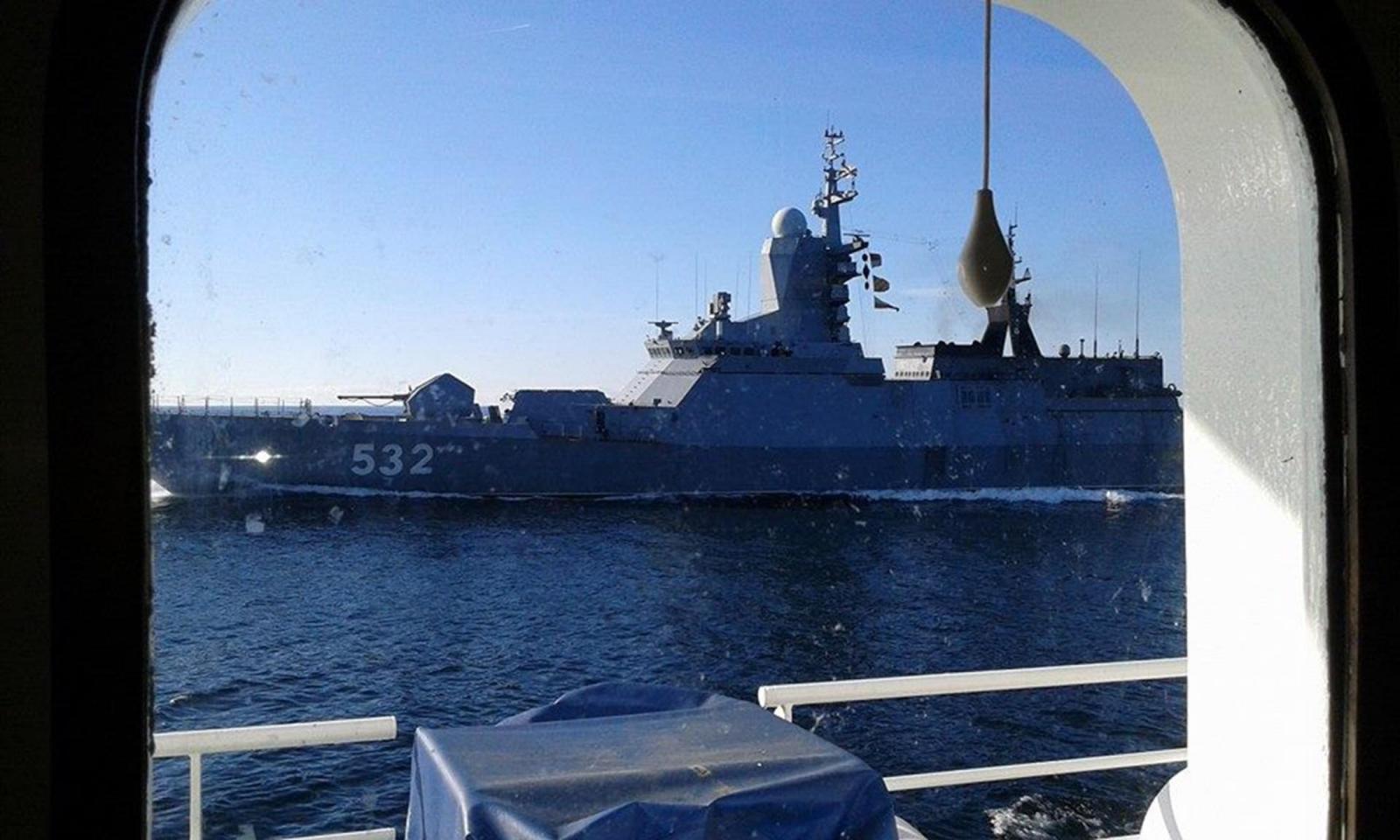 Finland warning shots at suspected submarine