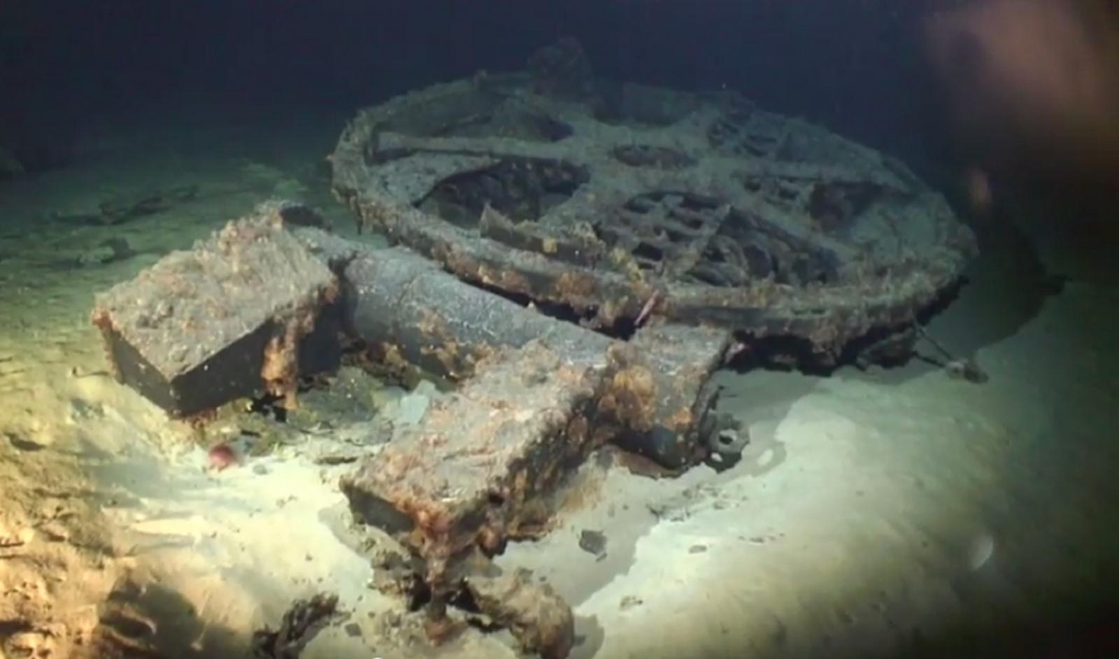 wwii japanese mega submarine
