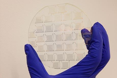 three-atom thick transistor electronics